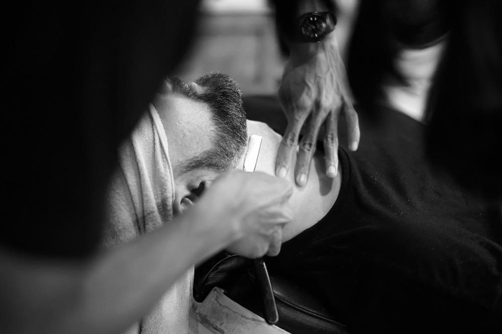 barber-1979440_1920